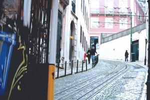 Трамвай-подъемник на смотровую площадку Алкантара